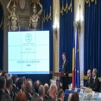 Klaus Iohannis la bilantul Parchetului General. Procurorii poarta pe brat banderole albe. Toader NU participa 1