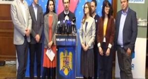 Semnaturile pentru initiativa cetateneasca de reforma electorala #OameniNoi in politica au fost depuse astazi la Parlament 49