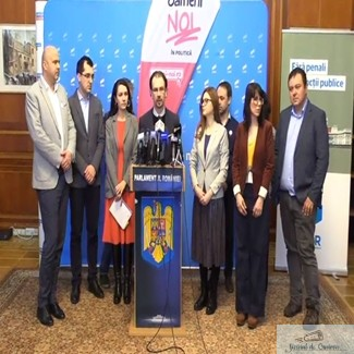 Semnaturile pentru initiativa cetateneasca de reforma electorala #OameniNoi in politica au fost depuse astazi la Parlament 1