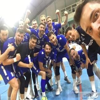 Volei : SCM Craiova trece pe primul loc ! SCM Craiova castiga meciul de la Zalau.. 1