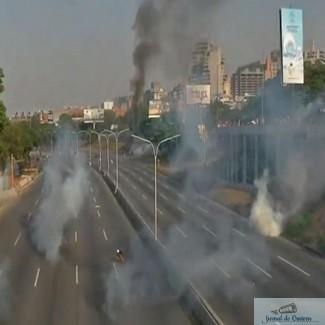 Video Live : Lovitura de stat in Venezuela. Armata si serviciile secrete intorc armele! 1