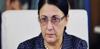 Ministrul Educatiei, Ecaterina Andronescu : Profesorii care au luat sub 5 la titularizare nu mai au dreptul sa predea