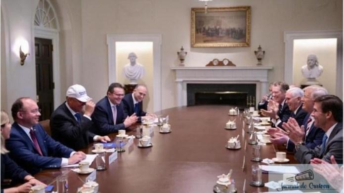 Presedintele Klaus Iohannis a primit un cadou original din partea omologului sau american, Donald Trump, in timpul intalnirii bilaterale.