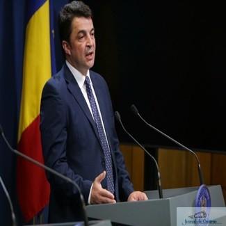 Ministrul interimar al Educatiei, Daniel Breaz :Elevii nu au manuale in prima zi de scoala!