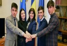 Ministerul Educatiei: Incepand din toamna, elevii vor circula gratuit pe baza carnetului de elev, vizat de catre unitatea scolara