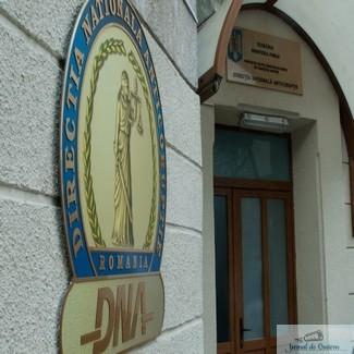 Un fost director de la Apele Române, încătușat. A luat o mită de un milion de euro