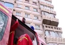 Un tanar din Craiova s-a aruncat de la etajul unui bloc