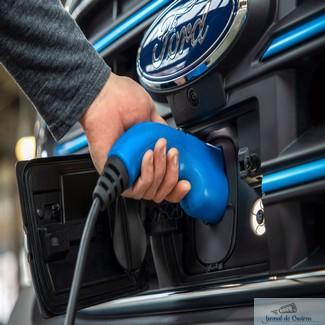 Ford prezintă E-Transit: primul model Transit 100% electric