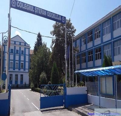 Cadrele Liceului Stefan Odobleja au depus o adresa catre Primaria Craiova