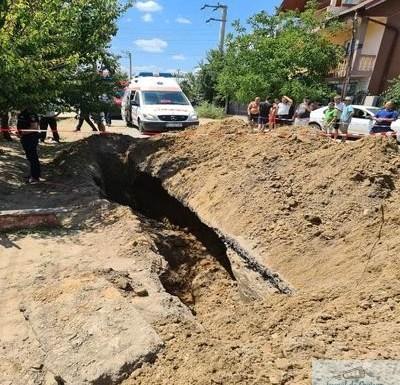 Muncitor care săpa la canalizare într-o localitate din Dolj a murit