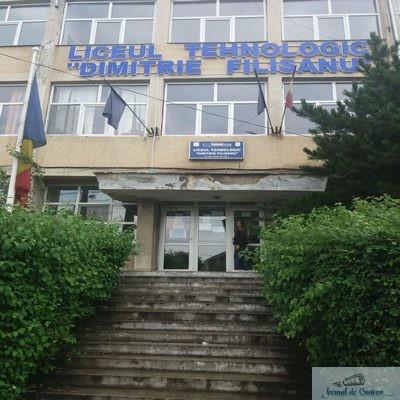 """Probleme la Liceul Tehnologic """"Dimitrie Filişanu"""" . Noua directoare ignora legea .."""