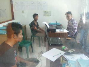 Foto: Pelaku sedang diperiksa penyidik Polres Simalungun