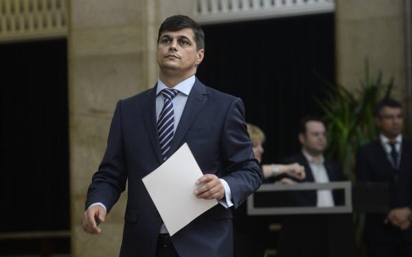 Europarlamentarul Constantin Laurenţiu Rebega, urmărit penal pentru instigare la spălare de bani, fals în înscrisuri sub semnătură privată şi uz de fals
