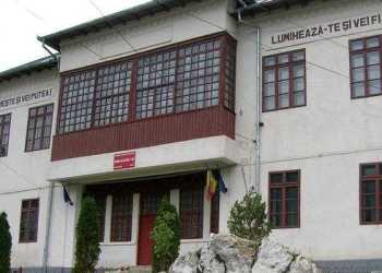 Coşmarul continuă în Argeş. Opt copii din Dragoslavele au ajuns la spital 10