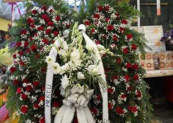 Poliţistul care şi-a împuşcat copilul, după care s-a sinucis, a fost înmormântat departe de fiul său 11