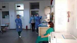 A început campania de vaccinare anti- COVID-19 în Argeș. Cine sunt primele persoane 7