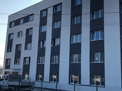 PITEȘTI: Lucrările de reabilitare și modernizare la blocul Coremi au fost finalizate 2