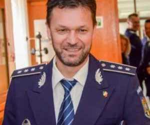 Șeful Poliției Câmpulung a convins un bărbat să nu se sinucidă, după ce a văzut pe Facebook că acesta vrea să-și incendieze apartamentul 2