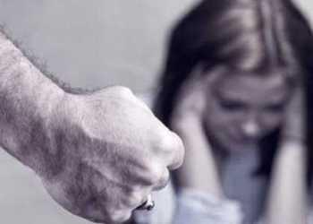Mioveni. Bărbat reținut după ce și-a bătut soția și fiica. Cele două sunt internate la ATI 4