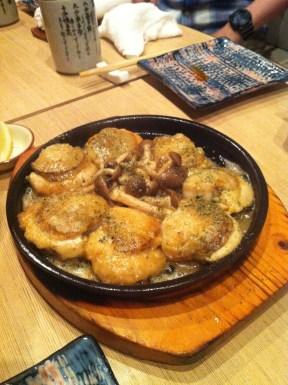 Pan-fried Scallops and Shimeji Mushrooms; Hakkaisan