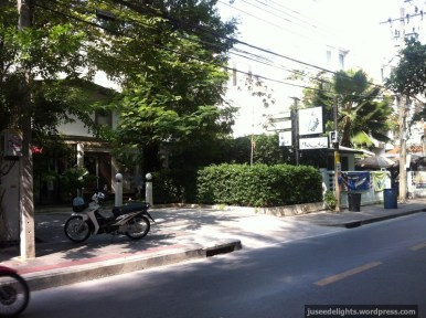 View from the outside, in the neighborhood; Purr Cat Café Club, Bangkok