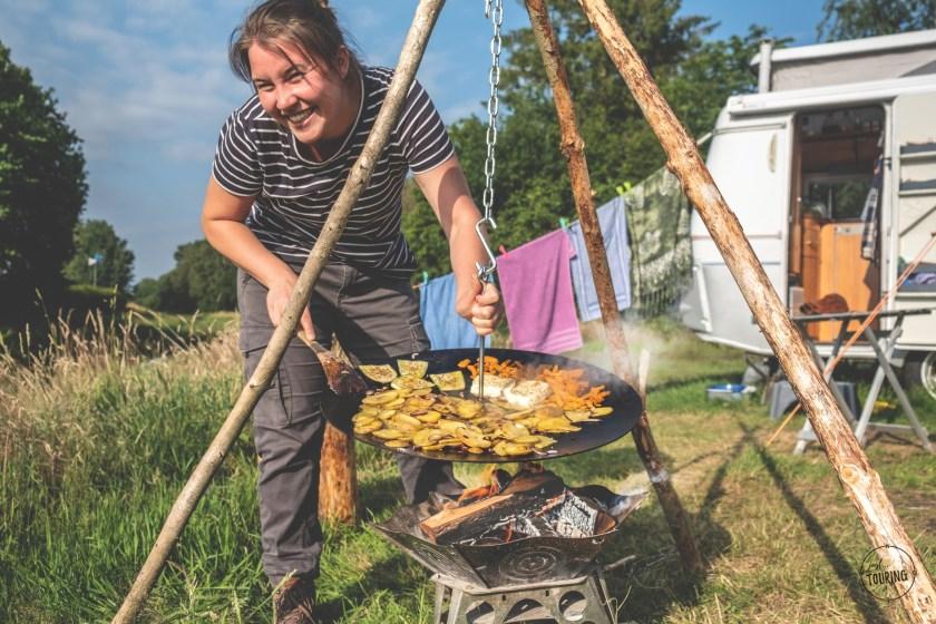 Bratkartoffeln aus der Hängefeuerschale