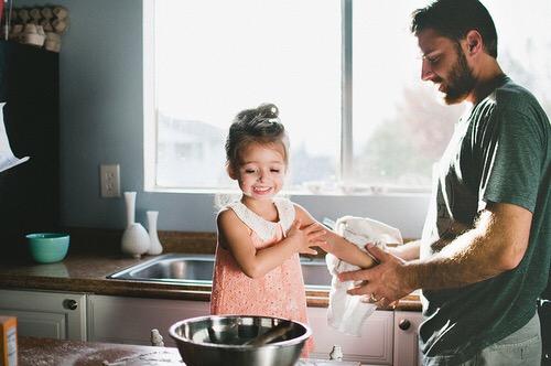 speciale-rapporto-fra-i-papa-e-le-figlie-femmine-just4mom-rapporto-padri-e-figli-mamme