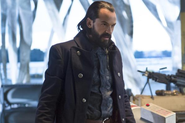 """DC's Legends of Tomorrow -- """"Pilot, Part 2"""" -- Image LGN102_20150917_0413b.jpg -- Pictured: Casper Crump as Vandal Savage -- Photo: Diyah Perah/The CW -- © 2015 The CW Network, LLC. All Rights Reserved."""