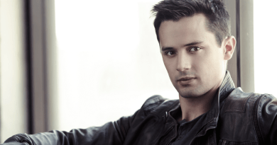 Stephen Colletti invité à la 1,2,3 Ravens de Empire Conventions