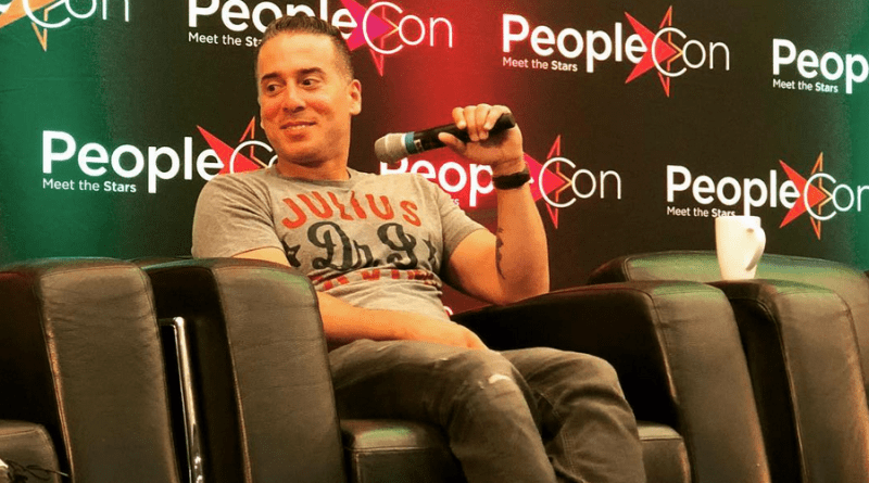 Entrevue avec Kirk Acevedo (Arrow, 12 Monkeys) lors de la Super Heroes Con IV de People Convention