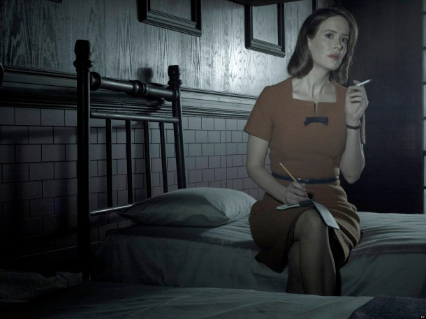 AMERICAN HORROR STORY: ASYLUM -- Pictured: Sarah Paulson as Lana Winters -- CR: Frank Ockenfels/FX