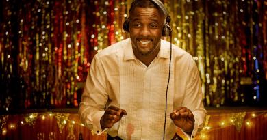 Turn Up Charlie : Netflix annule la série avec Idris Elba après une seule saison