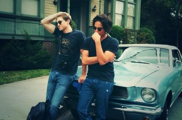 Tyler Blackburn et Keegan Allen - Just About TV