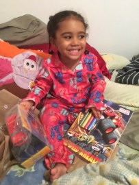 Minime got to open her gifts from @thebookofroma on Christmas Eve