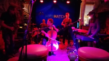 hatch-band