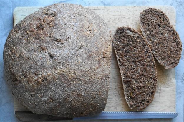 Pear and walnut bread 1