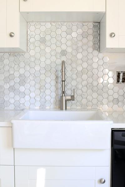 hexagon tile kitchen backsplash How to Install a Marble Hexagon Tile Backsplash - Just a Girl and Her Blog