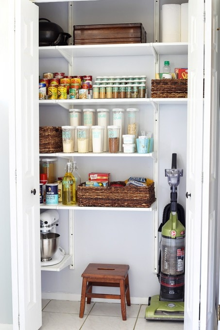 How to Get Organized When You Live in a Small House  Abby