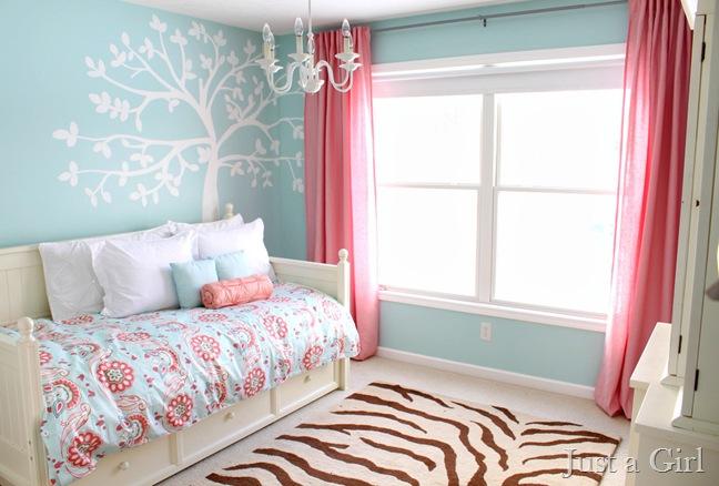 tree mural bedroom