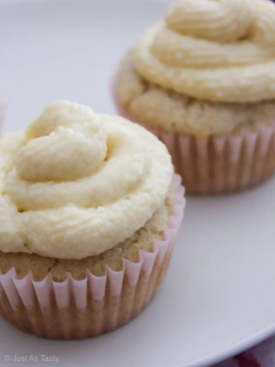 Cupcakes topped with white swirl frosting