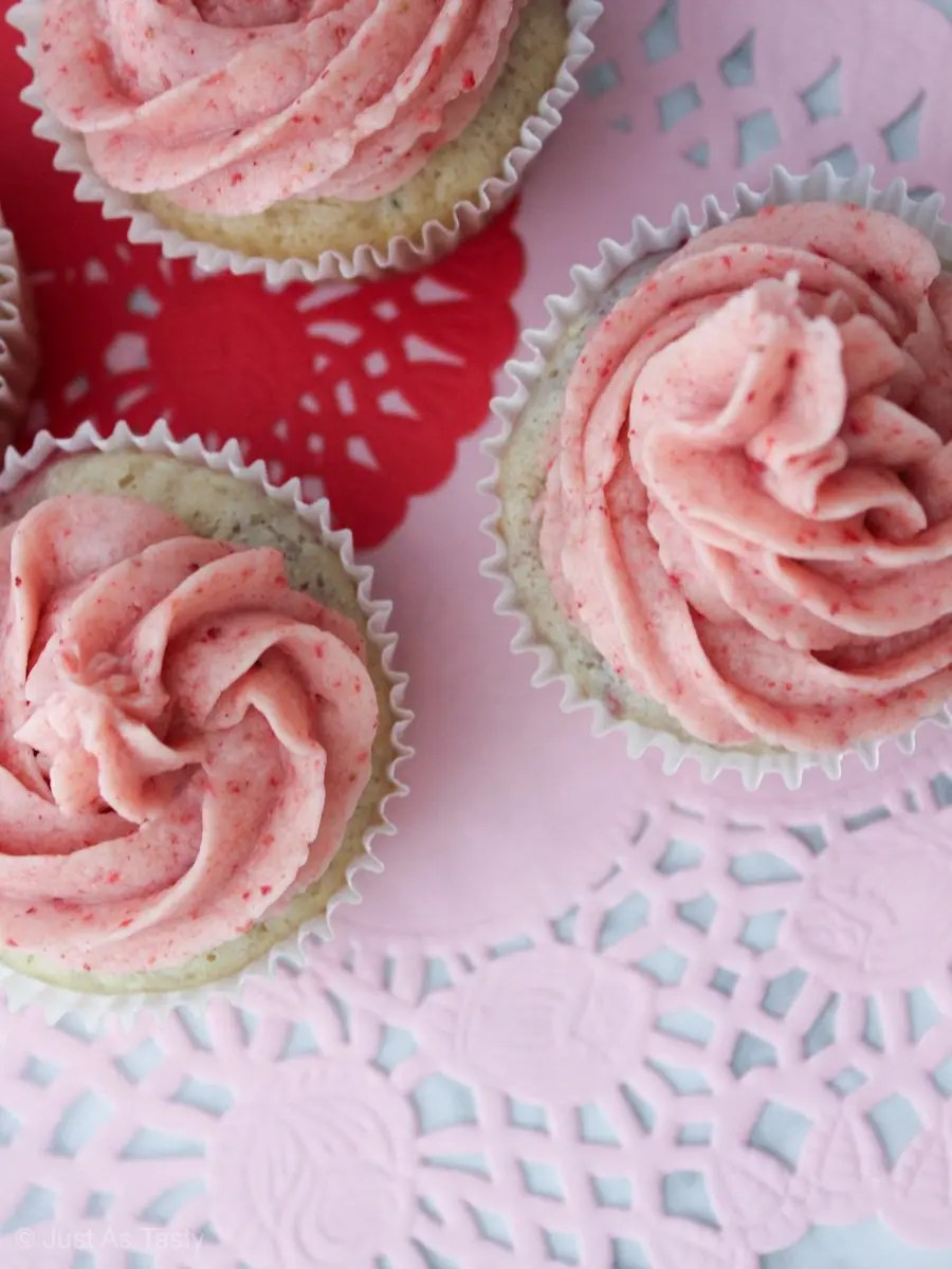 Cupcakes with pink swirl frosting