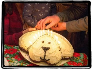 Dog shaped cake5