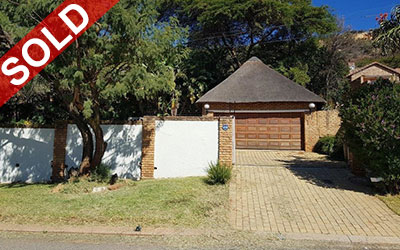 LITTLE FALLS, ROODEPOORT THREE BEDROOM HOME WITH INTERLEADING FLATLETS, FURNITURE AND VEHICLES