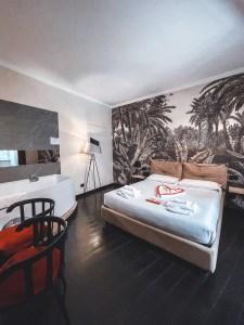fourheads private suites jacuzzi room