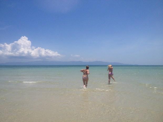 koh phangan shoreline