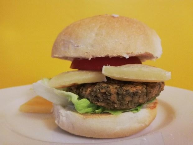Nutree_life_italian_burger_vegan_violife_white_bun