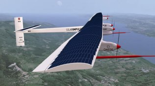 Strangest-Planes-Pictures-From-Around-The-World-solar-impulse-solar-powered-plane