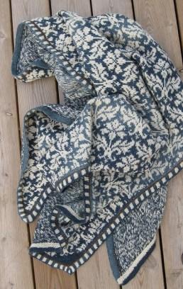 Thistle knit throw