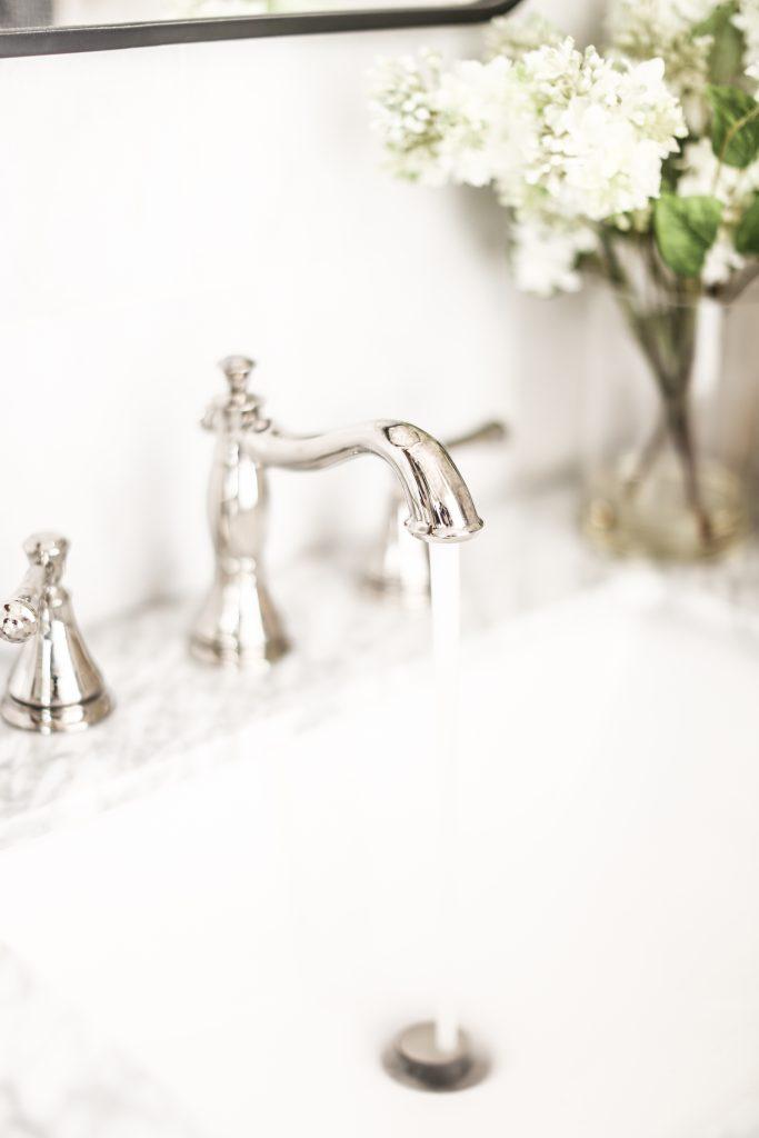 elegant delta bathroom faucet