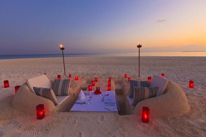 Velassaru Maldives Luxury Travel beach dinner